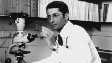 Dr Fauci in lab 1984